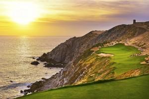 雄大な日没を、ゴルフ場に穫り入れる。ニクラスの好みの手法。ここBaja Californiaでも、それが楽しめるはずだ(photos by Jim Mandeville)