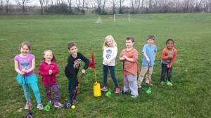 名馬の産地ケンタッキー州を代表する牧草ブルーグラス。子供達は、放課後ここで、夕食時までタップリ遊ぶ