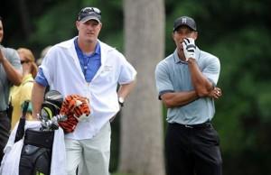 どうやら今季はノンビリ遣り、本格活動は2017年シーズンになりそうなタイガー。その間のキャデイ、ジョーの処遇は、どうなるのか。気がかりはその部分だ(courtesy of Global Golf Post)